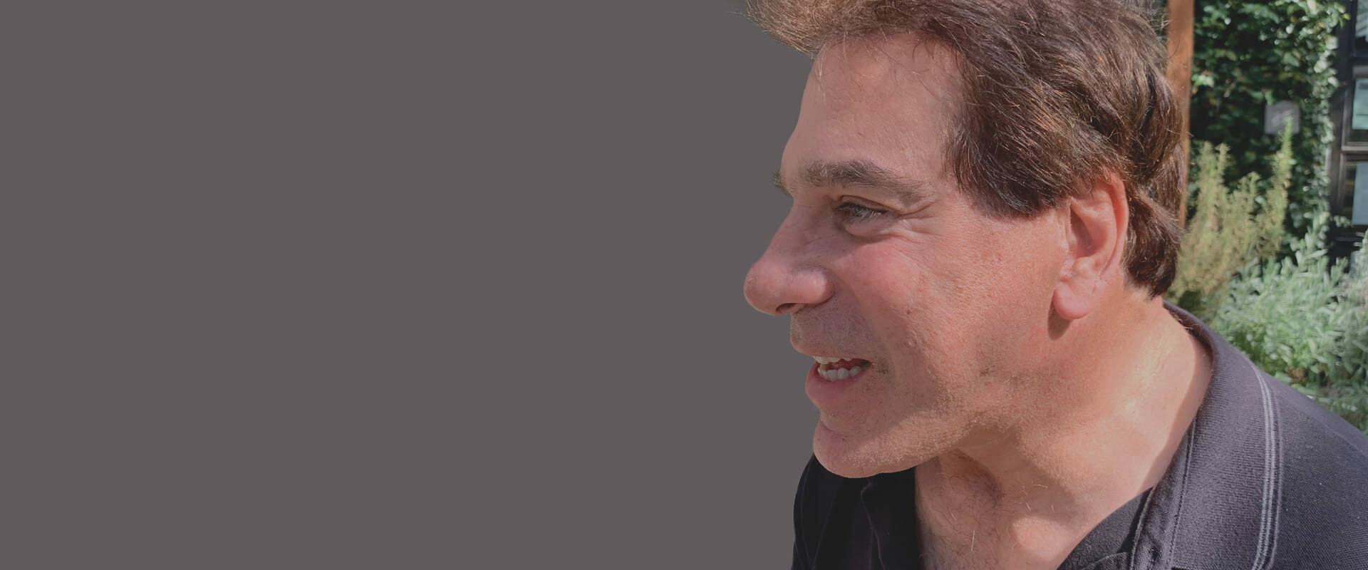AT335-Main_Images-F1-min(Photograph provided by Lou Ferrigno and Cochlear Americas)